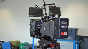 Modern filmkamera bakifrån.