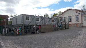 Baracker i Sirkkala skola i Åbo.