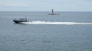 Åländska sjöbevakare utanför Kobba klintar