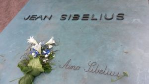 Jean Sibelius gravsten vid Ainola