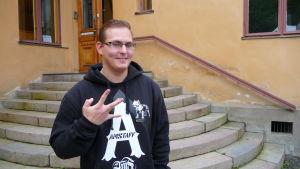 Dennis Svenfelt har nyligen flyttat till Åbo för att studera teologi.