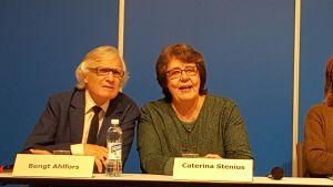 här går det under! caterina stenius historik över lilla teatern i helsingfors. 2015., Bengt Ahlfors och Caterina Stenius.