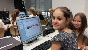 Viikin norssin 4-luokkalaiset tietokoneluokassa.