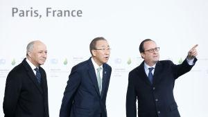 Frankrikes president Francois Hollande, FN:s generalsekreterare Ban Ki-moon och Frankrikes utrikesminister Laurent Fabius.