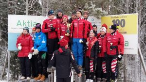 Åsa Lindberg, Olli Tyrväinen, Wilma Westerlund, Mikael Ramstedt, Jesper Lietzén och Niklas Westerlund överst på prispallen.