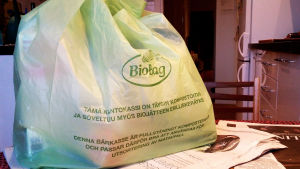 biohajoava muovipussi eli ostoskassi S-ryhmältä 2015