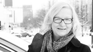 Svartvit profil av Pia Fagerholm-Mård