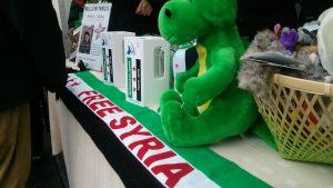 Insamlingsbössor och leksaker för syrien