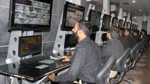 Pakistanin poliisi jäljittää terroristeja maanteille asennettujen kameroiden avulla. yle tv1