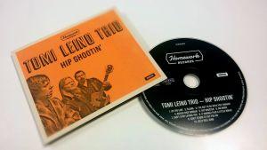 """Tomi Leino Trios album """"Hip shootin' """""""