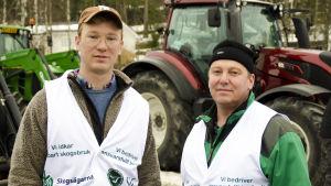 Erik Perklén och Mats Nylund på väg på demonstration.