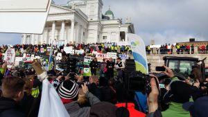Regeringen på bondeprotest