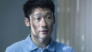 Alf (Thomas Wan) i Bedrägeriet.