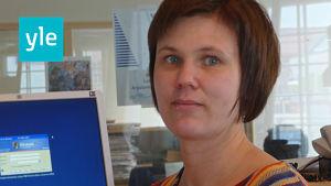 Carmela Walder är redaktör på Svenska Yle och arbetar för Radio Vega Östnyland.