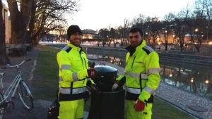 Sami Zeinullah Safi och Gul Wazeer Hazratullah har jobbat sedan klockan 3 på måndag morgon.