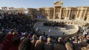 Ryssland ordnade konsert i Palmyra