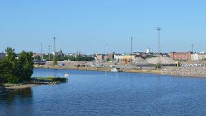 Vy över Helsingfors från Farfarsbron.