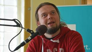 Tomi Korhonen från teatergruppen Kvg