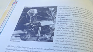 Ett kapitel om Alma Söderhjelm i boken Bildningens makt av Pia Österman.
