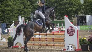 Ida Repo rider på Sea Horse Week.