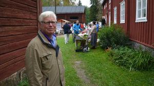 Roger Lind vid Brages skördemarknad i Vasa 2016.