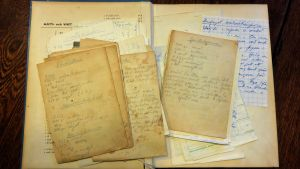 Handskrivna recept ur privat samling.