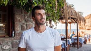 Restaurangägaren Panagiotis Stratos i Skala Sykamineas på norra Lesbos.