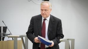 Olli Rehn i riksdagen.