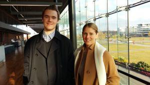Veronica Aspelin och Theo Sjöblom är aktiva inom Svensk ungdom.
