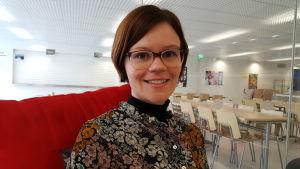 Minna Enroth är modersmålslärare i Borgaregatans skola i Vasa.