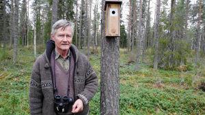 Ossi Pihajoki ja linnunpönttö