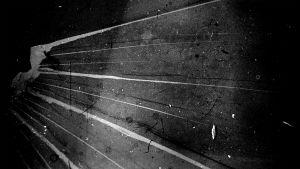 Kuva Mika Taanilan ohjaamasta, ilman kameraa tehdystä elokuvasta Mannerlaatta.