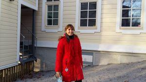 Sanna Kupila forskar i gamla hus. Ispois herrgård är ett forskningsobjekt