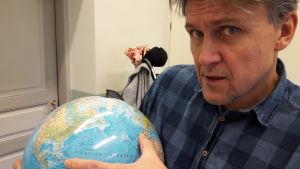Karl-David Långbacka visar Columbus första resa