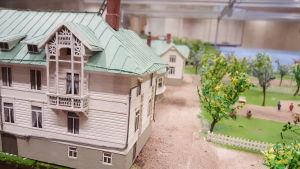 Miniatyrstaden Mariehamn på 1920-talet, gaveln av gamla Socis.