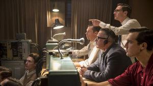Tositapahtumiin perustuva draama (16) kertoo vuoden 1961 historiallisesta tv-tapauksesta, jossa natsirikosoikeudenkäynti saatettiin koko maailman tietoisuuteen.