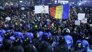 Protesterna i flera rumänska storstäder var de största sedan kommunismens fall