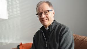 Roger Rönnberg kyrkoherde i Esbo svenska församling