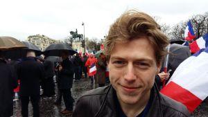 "Lars Vrignon är ""pro Fillon"".  Place du Trocadéro i Paris 5.3.2017."