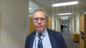 Max Arhippainen är kommunikationsdirektör vid Försvarsministeriet