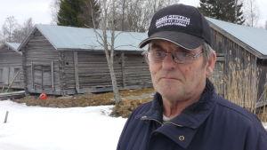 Martin Talvitie vid fiskehamnen i Malax.