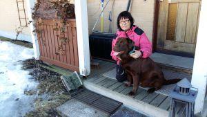 Eeva Österbergs hund Paavo fick för många antibiotikakurer och nu bär han en superbakterie.
