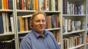 Rani-Henrik Andersson är docent i Nordamerikastudier vid Helsingfors universitet.