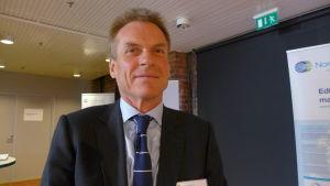 Simon Bonnell är direktör för tillståndsärenden på Nord Stream 2