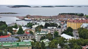 Tarinoita pikkukaupungista, joka on historiansa aikana usein ollut monien sotien, hyökkäysten ja valloitusten kohteena.