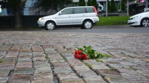 Blommor på Åbo Salutorg.
