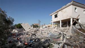 Polisen trodde först att huset förstördes på grund av en gasolycka.