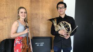 Marielle Iivonen och Harry Chiui, från Sibelius-Aakademin och The Juilliard School visar upp sig själva och sina instrument