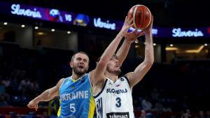 Slovenien besegrade Ukraina i EM i basket.