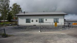 Fasaden av det nya serviceboendet Villa Holger i Närpes.